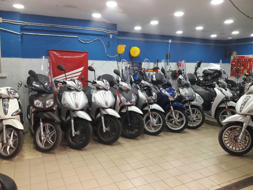 Moto Ideal Store Negozio Napoli